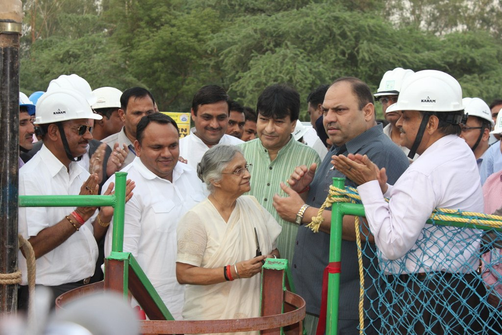 Smt. Sheila Dikshit, Hon'ble Chief Minister, Delhi….