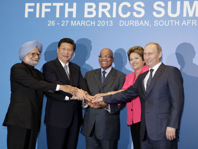 The Prime Minister, Dr. Manmohan Singh with the President of the People's Republic of China,…