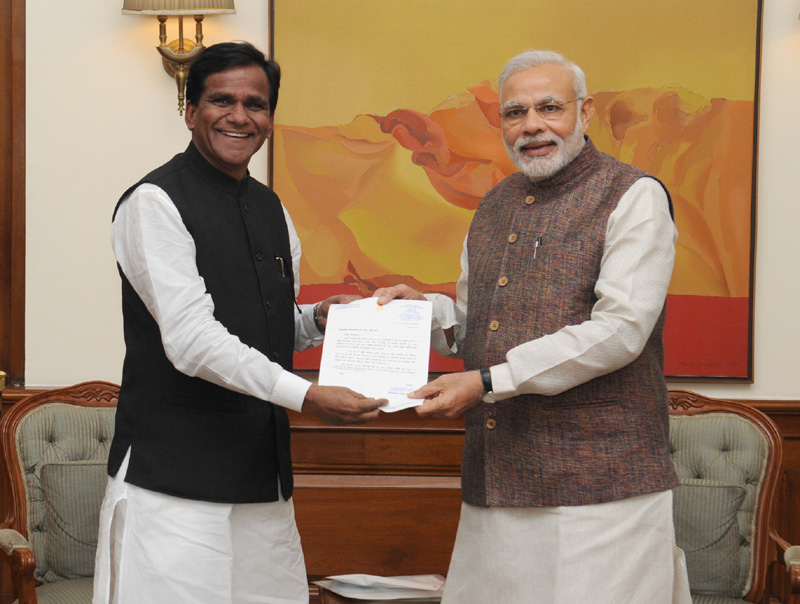 The Minister of State for Consumer Affairs, Food and Public Distribution, Shri Raosaheb Dadarao Danve..
