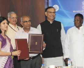 The Minister of State for Civil Aviation, Shri Jayant Sinha and the Chief Minister of Puducherry, Shri V. Narayanasamy witnessing the signing ceremony of an MoU on Regional Connectivity Scheme, in New Delhi