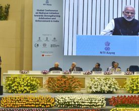 The Prime Minister, Shri Narendra Modi addressing at the valedictory session ..