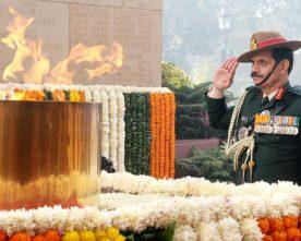General Dalbir Singh paying homage at Amar Jawan Jyoti, India Gate..