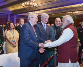 The Prime Minister, Shri Narendra Modi meeting the leaders at the..