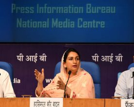 The Union Minister for Food Processing Industries, Smt. Harsimrat Kaur Badal addressing the press conference, in New Delhi