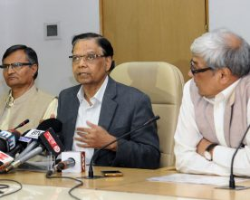 The Vice Chairman, NITI Aayog, Dr. Arvind Panagariya briefing ..