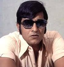 THE CHARISMA AND THE ANGRY LOOK WHICH VINOD KHANNA POSSESSED ..