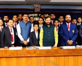 Prakash Javadekar interacts with Indian University team of Badminton and Taekwondo