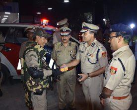 Amulya Kumar Patnaik Delhi Police Commissioner extends Diwali greetings to on duty staff