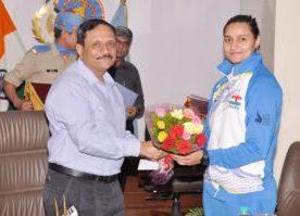 DG CRPF Rajiv Rai Bhatnagar felicitates Golden Girl HC Pooja Kadian