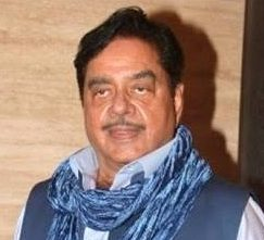 Shatrughan Sinha questions BigB and Prime Minister silence over Padmavati